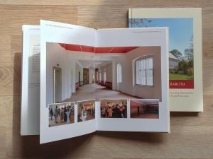 Entwicklung und Gestaltung des Buchs über die Sanierung des Altes Schloss Baruth nach einer über 5 -jährigen sehr aufwendigen Restaurierung.  Alle Fotos und Panoramen der Innenräume und Außenansichten von Ralf K. Röttjer